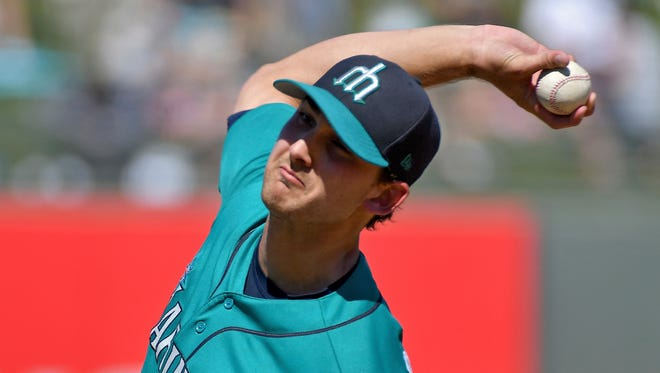Mariners right-hander Chase De Jong, acquired from the Los Angeles Dodgers earlier this spring, worked four strong innings  Thursday against Kansas City.