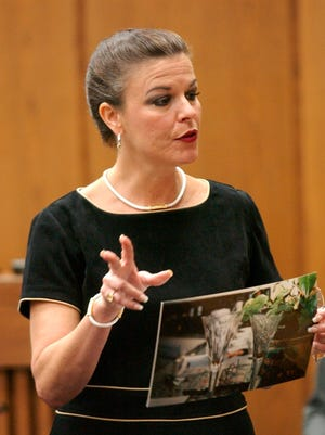 Prosecutor Freda Black begins closing arguments to the jury in the Michael Peterson murder trial in Durham, N.C.on Oct. 3, 2003.