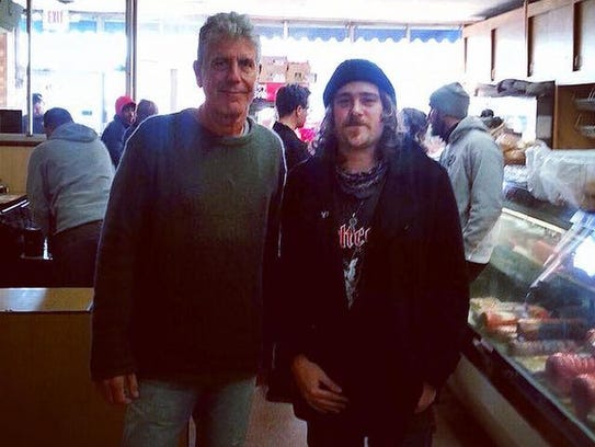 Anthony Bourdain and Ron Santee at the counter of Frank's