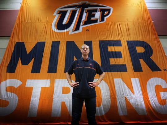 UTEP quarterback Ryan Metz