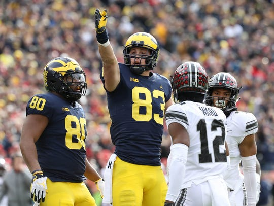 Michigan's Zach Gentry makes a first-down catch against