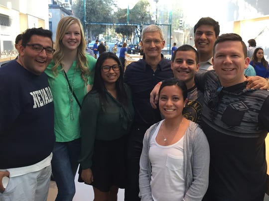 University of Nevada, Reno College of Business students met Apple CEO Tim Cook while on an alternative spring break in the Bay Area.