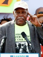 Actor Danny Glover, a long time union supporter, calls