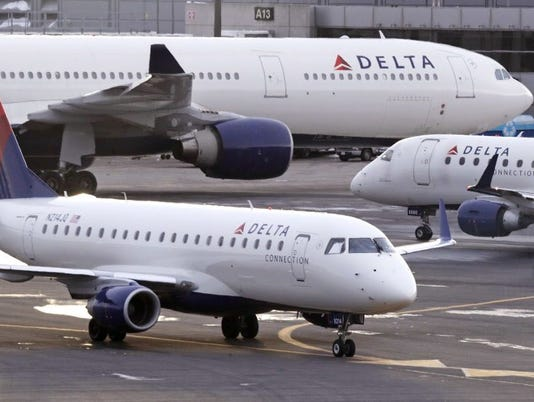 AP DELTA AIR LINES AND DELTA CONNECTION F A USA MA