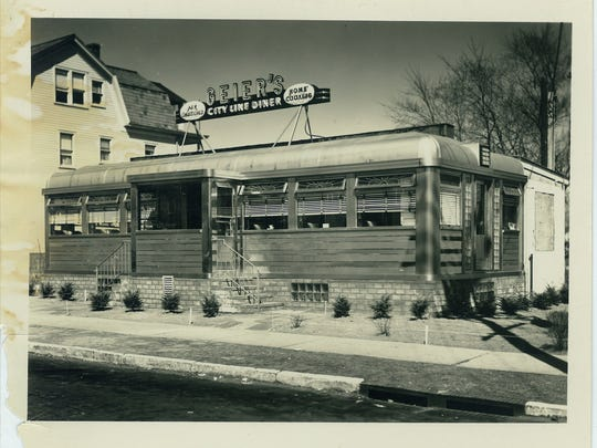 "Photo of the Egg Platter sometime in the mid-1950s. It originally was known as ""Geier's City Line Diner."" This photo appears in ""The History of New Jersey Diners"" by Michael C. Gabriele, but was provided by Jim Van Lenten--a member of the Schelling family, which owned and operated Master Diners Inc., which was located in Pequannock, NJ."