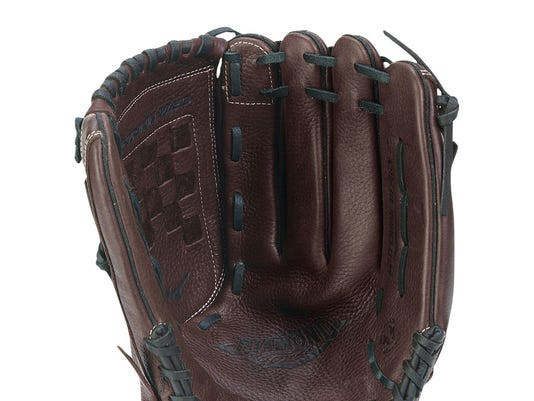 636611584210176559-Glove.jpg