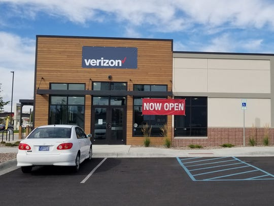 Verizon/Wireless Connection is now open at its new