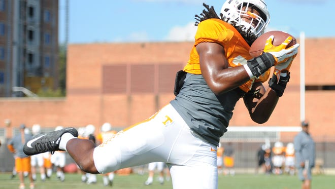 Tennessee linebacker Jalen Reeves-Maybin (21) catches a ball during practice leading up to the Florida game at Haslam Field on Tuesday, Sept. 22, 2015. (ADAM LAU/NEWS SENTINEL)