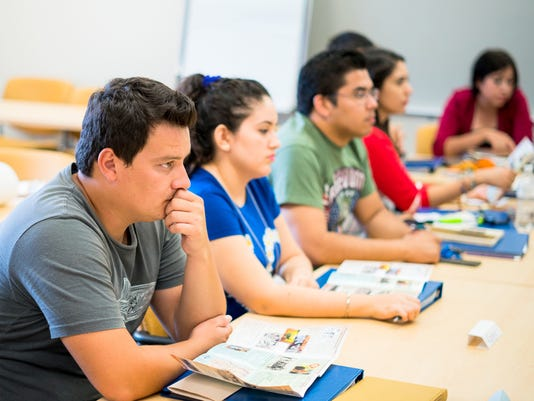 636053186401754279-0729mexicanstudents.jpg