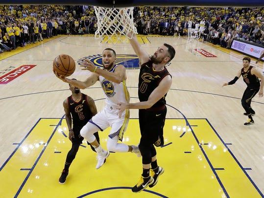 NBA_Finals_Cavaliers_Warriors_Basketball_71265.jpg