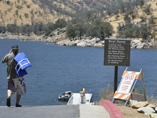 Tulare County sheriff's deputies are warning boaters