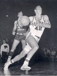 Former Purdue All-American Dave Schellhase drives to