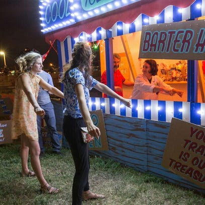 Canal Convergence: Stunning art and food trucks make for an all-ages fun family date