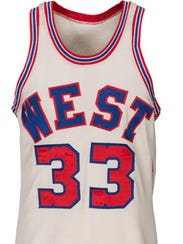 Kareem Abdul-Jabbar's (Lew Alcindor) 1971 NBA All-Star Game jersey recently sold at an auction.