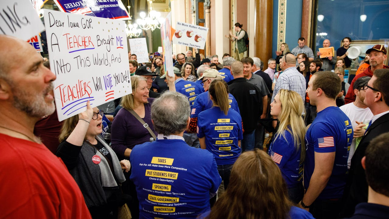 Despite Democratic opposition, the Iowa Legislature gave final approval to legislation that will dramatically scale back Iowa's collective bargaining law that governs union contract negotiations with state workers.