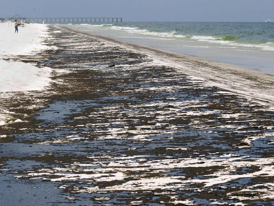 An image of Pensacola Beach during the massive 2010
