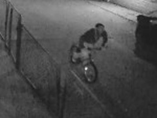 Suspects in arson fires on Milwaukee's south side.