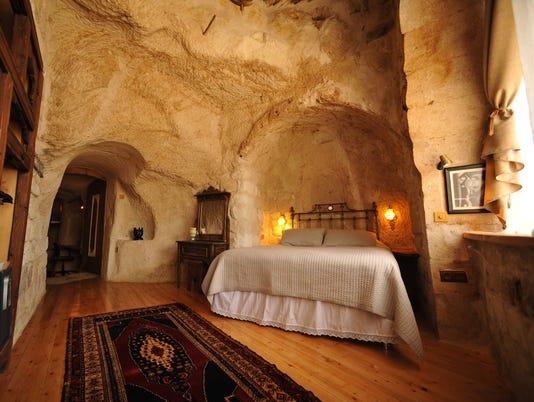 636581991446987782-Anitya-Cave-House-4.jpg