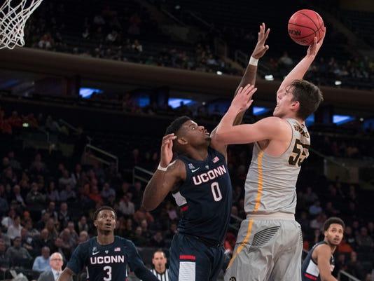 UConn_Iowa_Basketball_52471.jpg