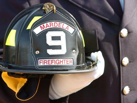 -mg-fireman-112807-103.jpg_20071128.jpg