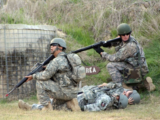 Active duty soldiers from Fort Polk train with Louisiana