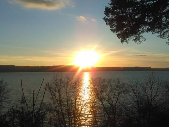 635856892876564391-12.20.15-Mississippi-River-Sunset.jpg