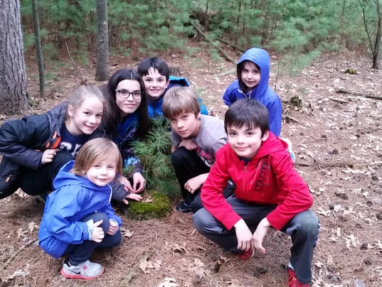 636281159885854960-Students-at-the-Boston-School-Forest.jpg