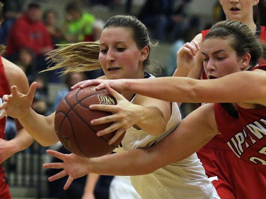 -111916_APC Chippewa Falls vs App North gbb_rbp 1096.jpg_20161119.jpg