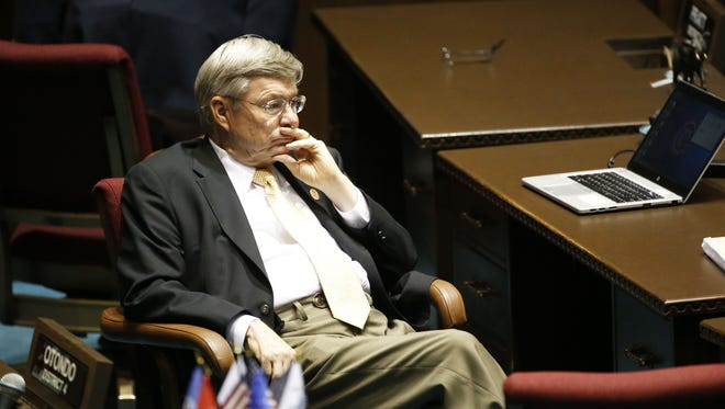 Vince Leach, R-Tucson, wants to override Tempe's attempt to rid city elections of dark money.