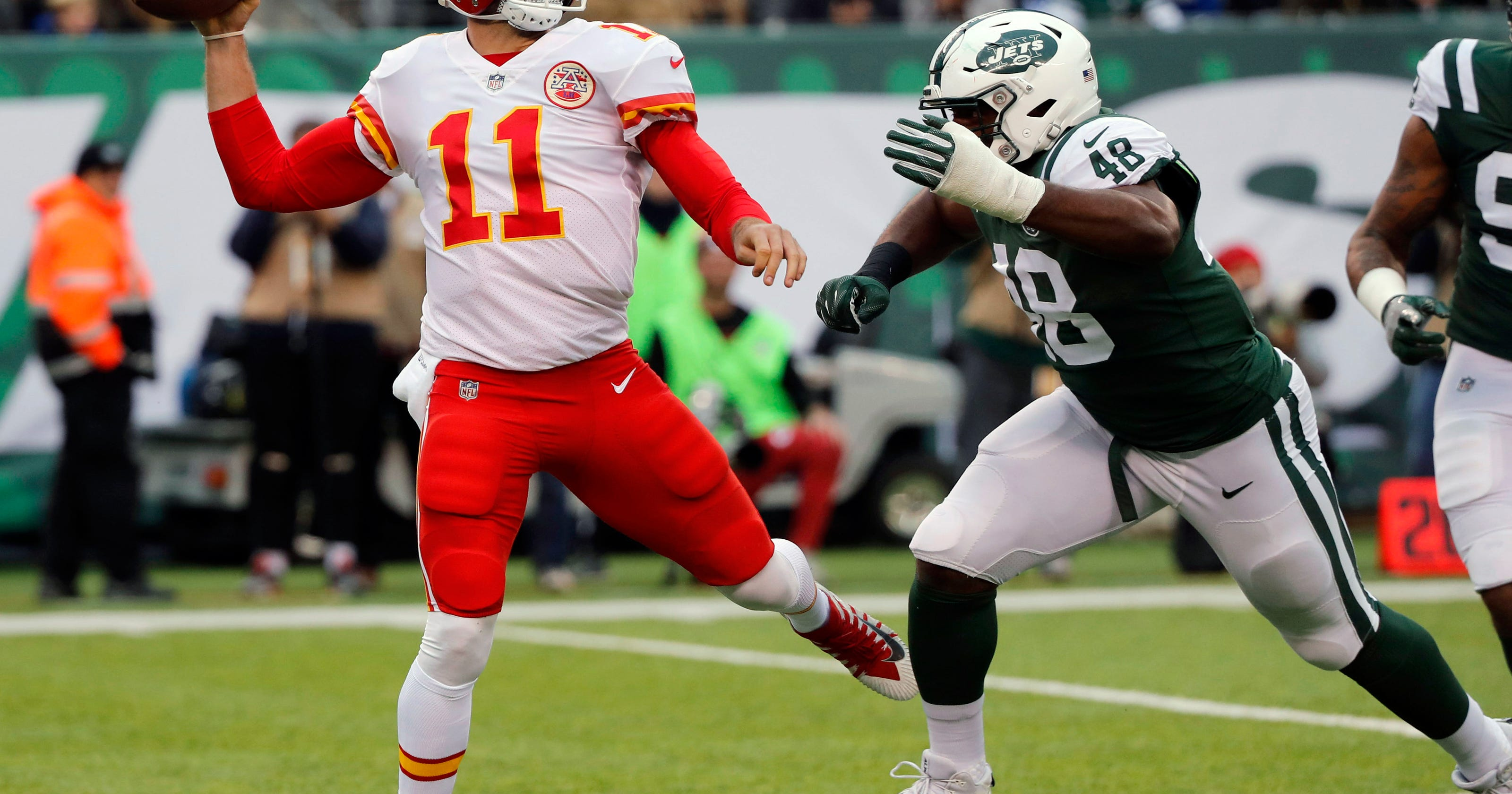 516a3718aab McCown, Chiefs' poor discipline lead Jets to wild 38-31 win