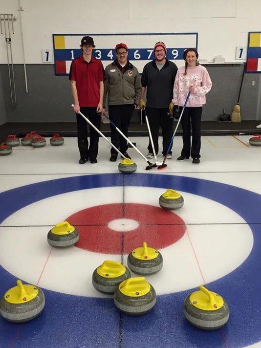 spj 1222 Curling01