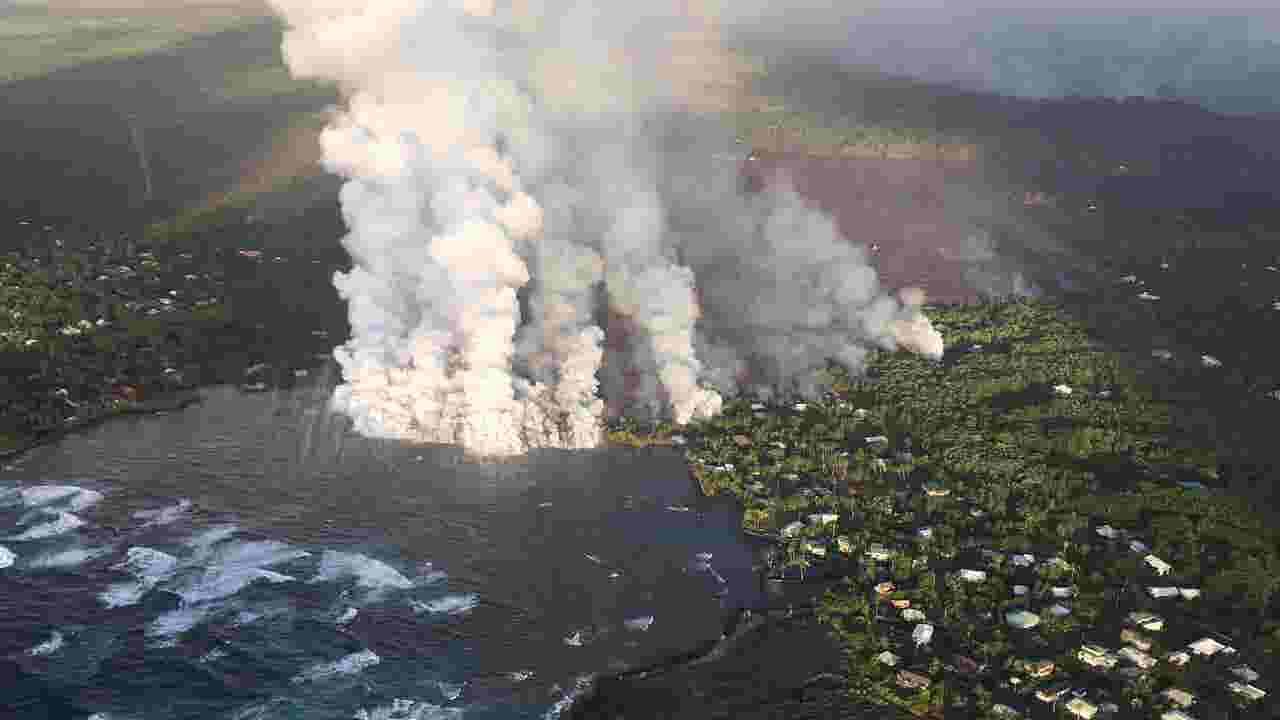 Hawaii Volcano Lava Fills Beautiful Kapoho Bay Community Vows To Rebuild