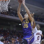 LSU forward Ben Simmons (25) had 21 points, 13 rebounds and seven assists in an 80-68 win at Auburn Tuesday.