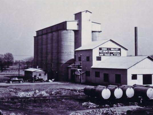 636390913222510106-Frank-soybeans-history-pic.jpg
