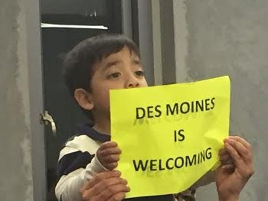 """Citizens call for Des Moines to be """"welcoming city"""" 3"""