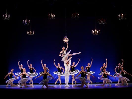 "Ballet Des Moines' ""Ovation"""