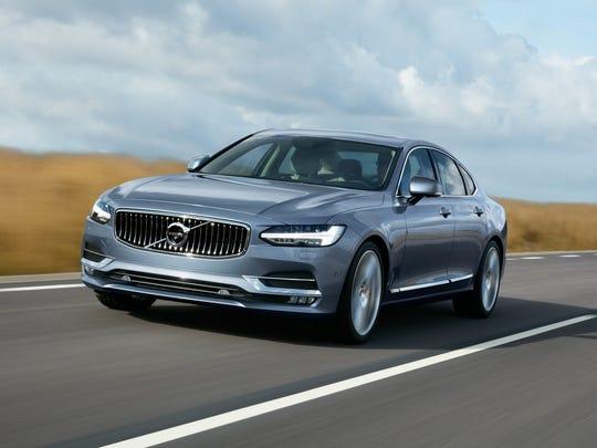 Volvo's S90 sedan will come in a plug-in version