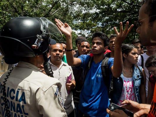 EPA VENEZUELA PROTEST POL CITIZENS INITIATIVE & RECALL VEN