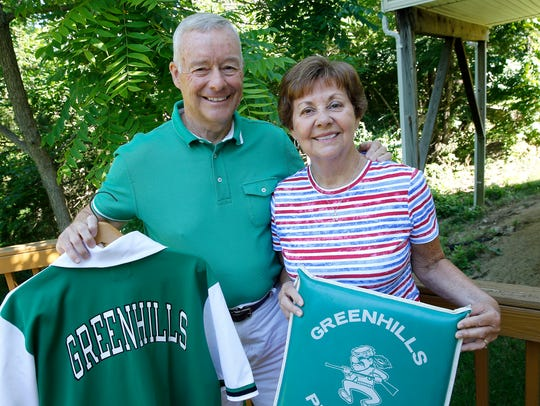 Earl and Dianne Edmonds of Mason, 1964 graduates of