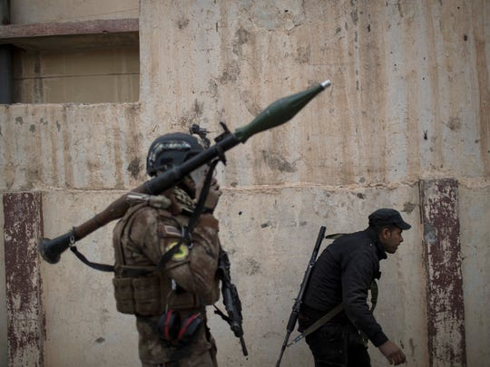 Iraqi special forces advance towards Islamic State