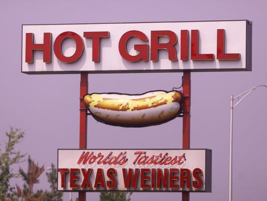 The hot Grill, hot dog story