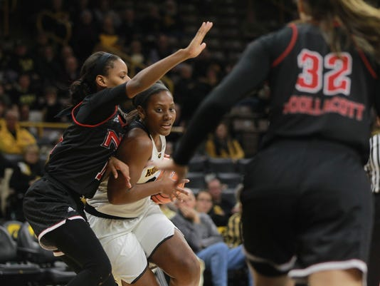 636463798322255347-171115-19-Iowa-vs-NIU-womens-basketball-ds.jpg