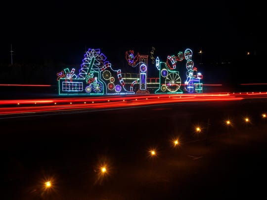 Bristol lights up with the annual Pinnacle Speedway in Lights. ©2016 Alan Maller / NKP