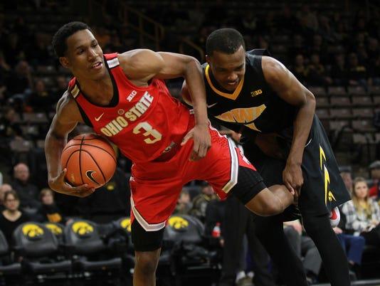 636506980347970993-180104-16-Iowa-vs-Ohio-State-mens-basketball-ds.jpg