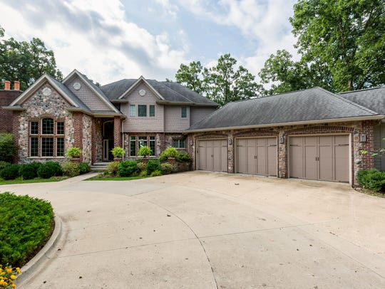 This West Des Moines house sold for $1,025,000.