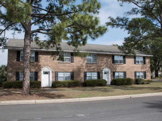 The Colony House Apartments, located at 800 Scenic