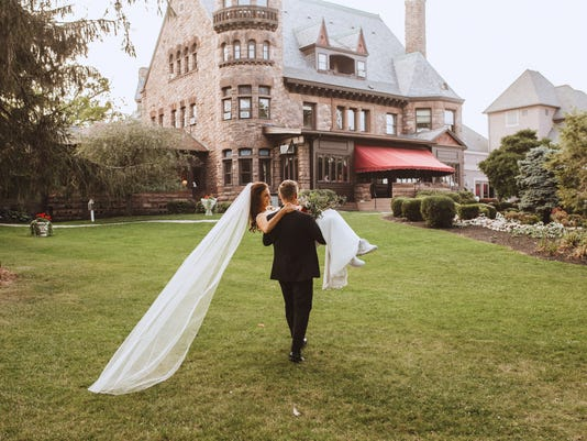 View More: http://mannandwifephotography.pass.us/belhurst-castle
