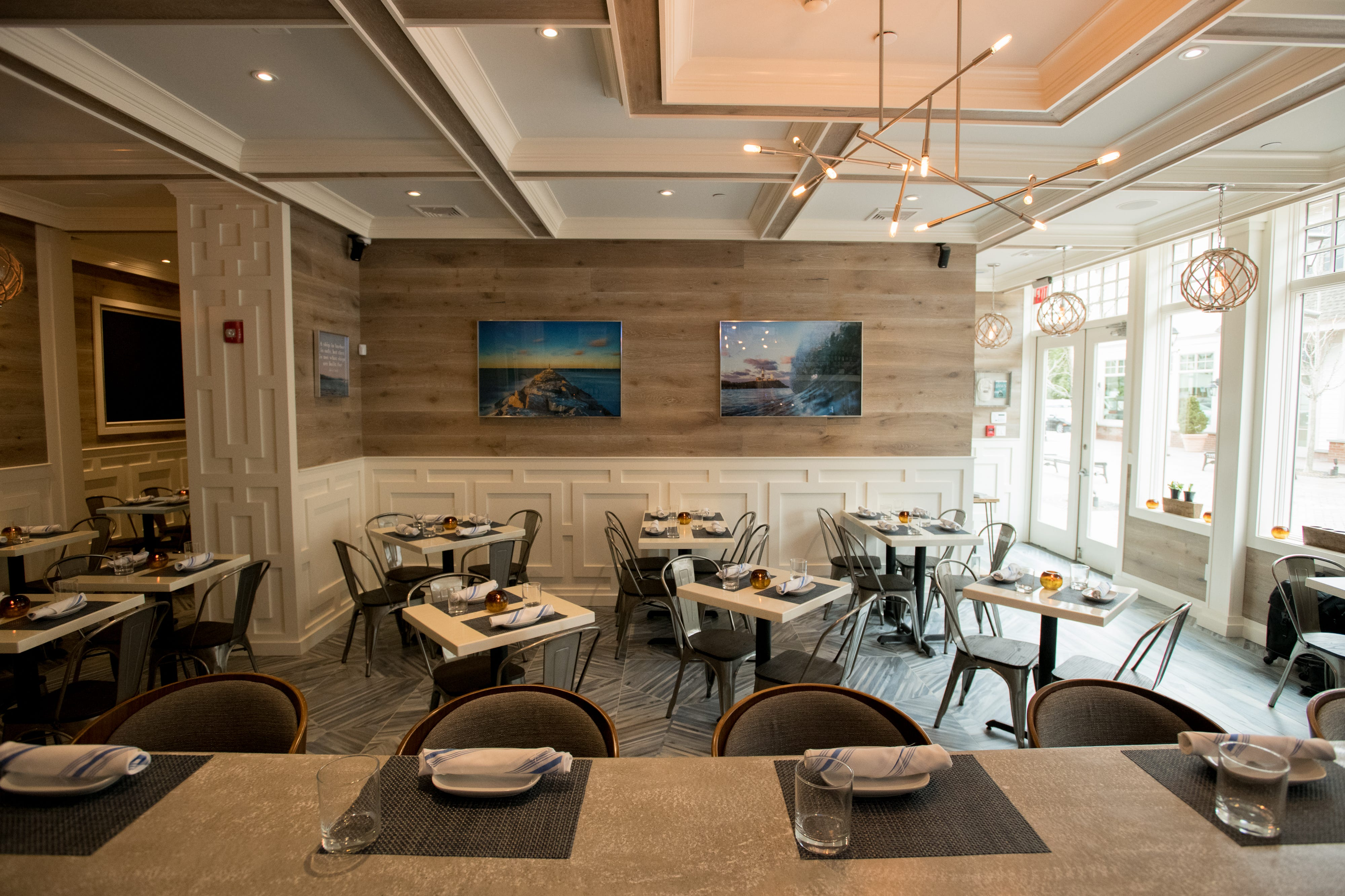 Tauk Kitchen In Armonk Has A Coastal Vibe Filled With Driftwood And  Wainscotting. (Photo: Cathy Pinsky)