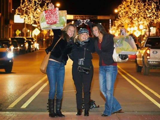 lcp 3 Ladies in Street