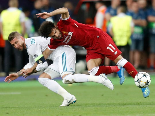 Soccer_WCup_Ramos_Salah_30924.jpg